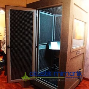 Acoustic vocal cabine